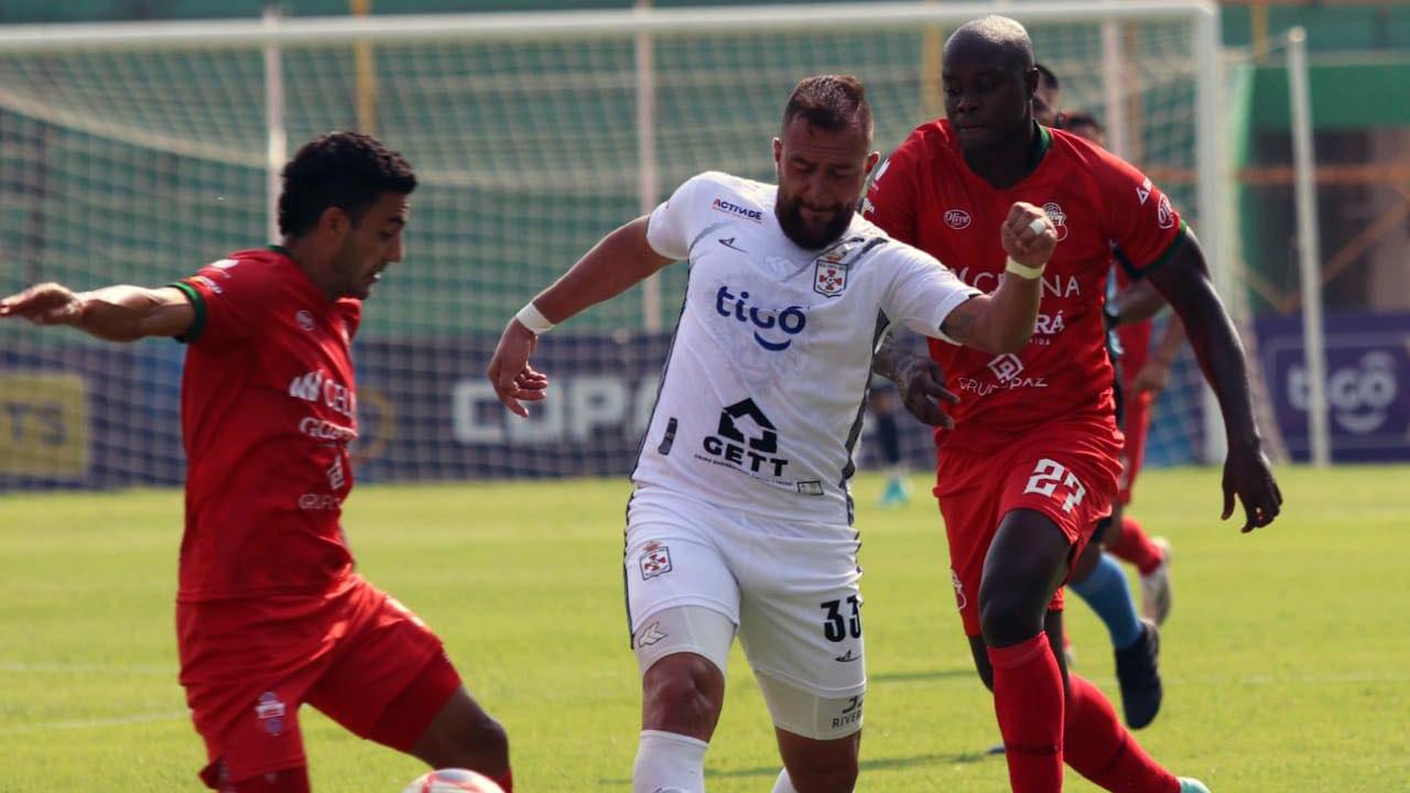 Real Santa Cruz goleó a Guabirá en un tiempo